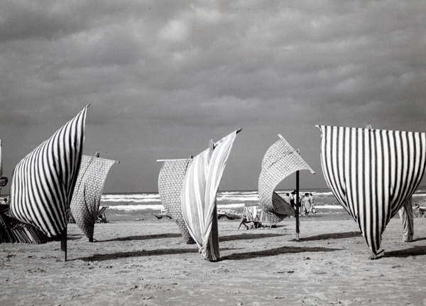 tents on a beach in Italy, 40's, 40's, black and white  photo