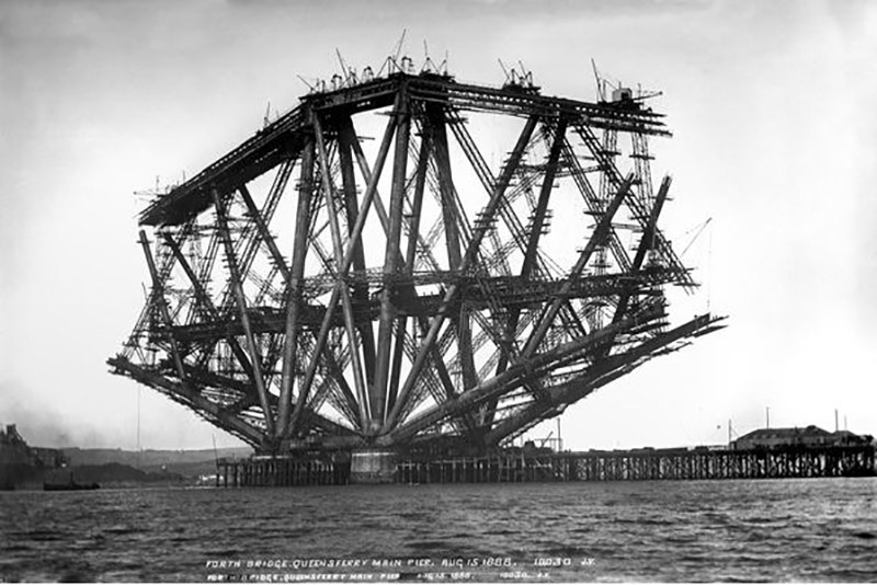Forth Bridge, Queensferry Pier, August 15th 1888 (b/w photo), J. Valentine & Sons (19th Century) / The University of St. Andrews, Scotland, UK / Bridgeman Images