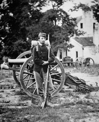 PNP270222 Private D.W.C. Arnold, Union Army, photographed near Harper's Ferry, Virginia, 1861 (b/w photo) by Mathew Brady/ Peter Newark American Pictures
