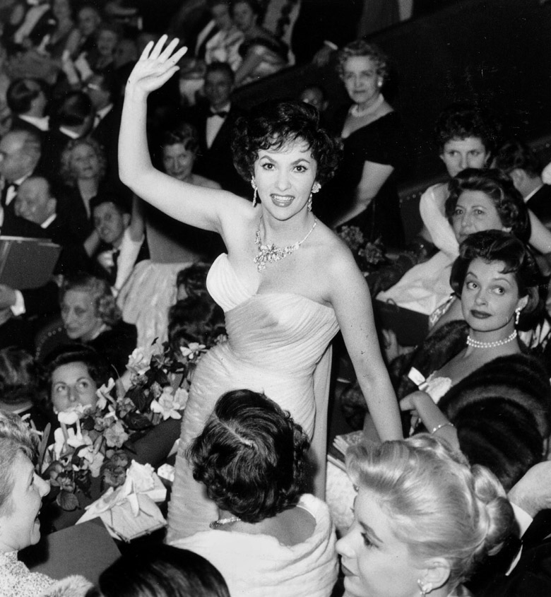 Gina Lollobrigida at The Artists' Union Gala in France March 09, 1958 in Paris  / Photo © AGIP / Bridgeman Images