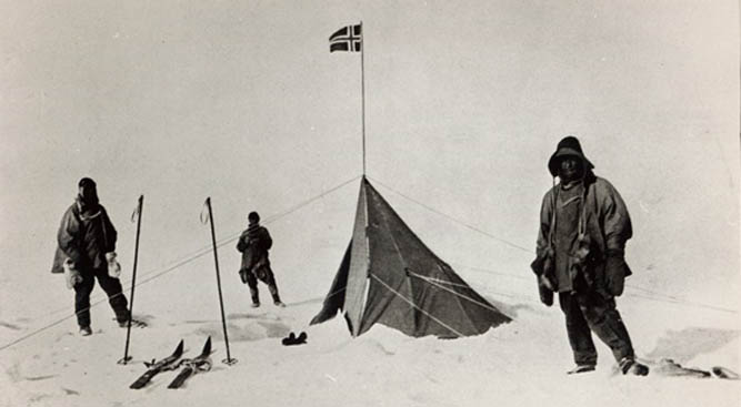 Tent left at the South Pole by Roald Amundsen (1872-1928) in 1911, 1912 by Lieutenant Henry Robertson ('Birdie') Bowers, (1883-1912) Private Collection