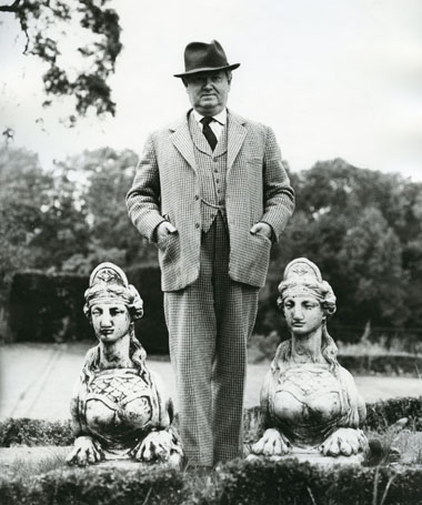 Evelyn Waugh, 1963 (b/w photo), . / Private Collection / Photo © Mark Gerson